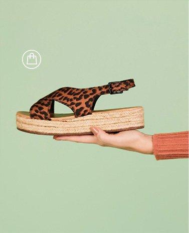 sandalia-flatform-tiras-cruzadas-animal-print