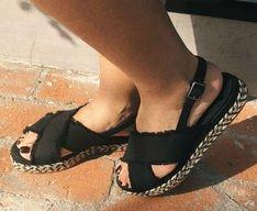 Sandália Flatform Tiras Cruzadas Lona Preta