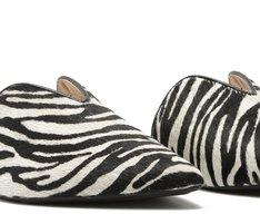 Mule Bico Fino Recorte Zebra