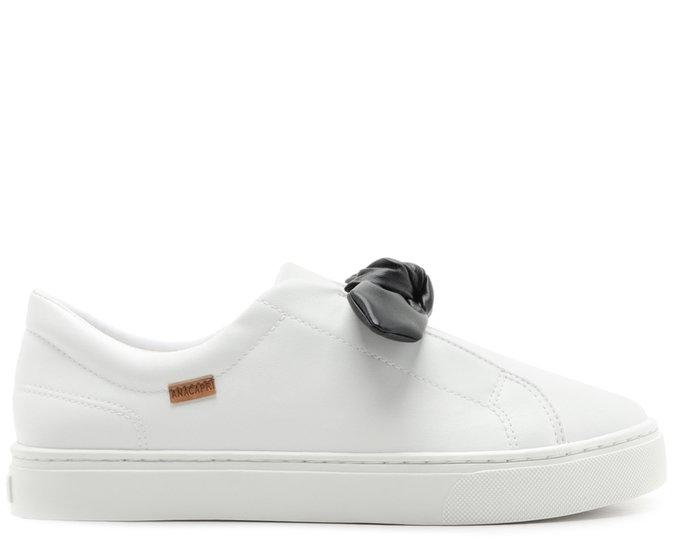 Tênis Slip On Preto e Branco Laço
