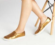 Tênis Slip On Dourado